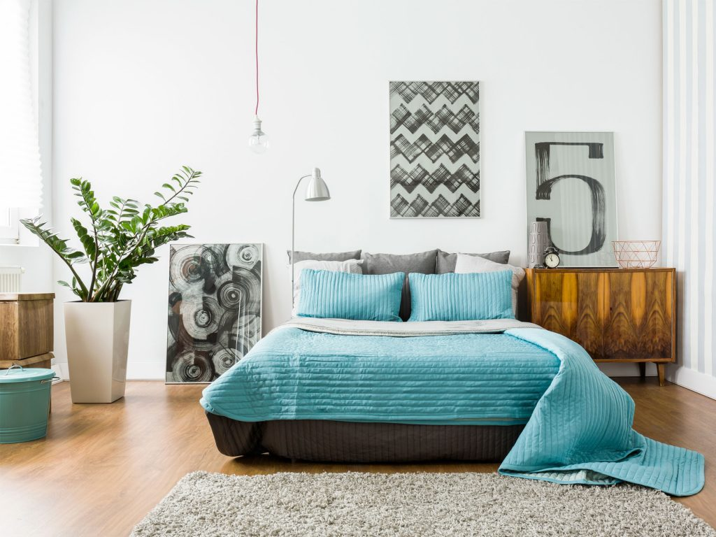 5 ways to makeover a bedroom for under $500
