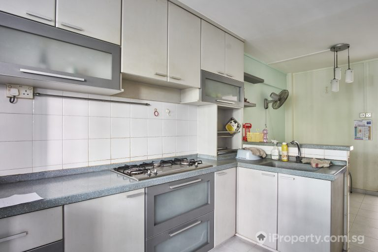 Kitchen of an HDB unit in Block 348 Clementi Avenue 5. Picture: iProperty