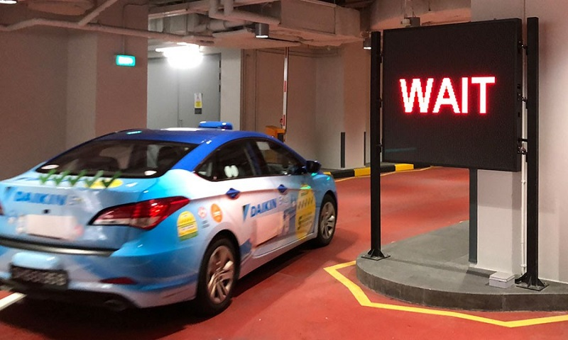 Changi Airport's taxi stand uses sensors at the taxi bays and an algorithm to dispatch taxis in a timely and accurate manner from a holding area, based on passenger demand (Image: Changi Airport Group).